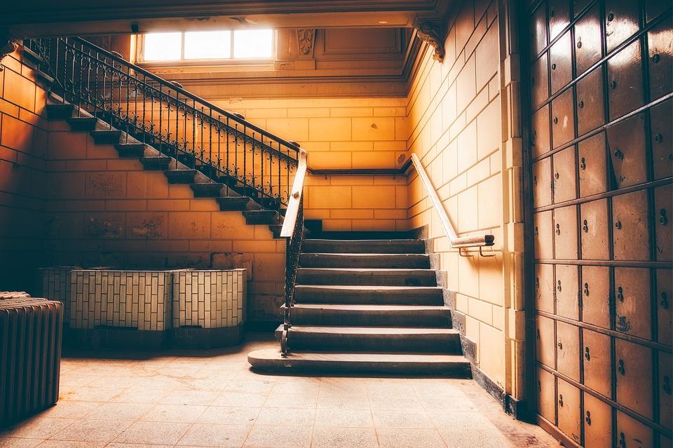 Vhodné osvetlenie schodiska